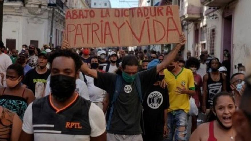LA BANDA SONORA DE LA REVUELTA EN CUBA